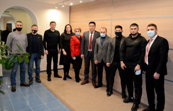 26 декабря 2020 года в Центральном Офисе ГК «БУЛАТ» состоялось расширенное очередное заседание Правления РОО «Федерация смешанного боевого единоборства (ММА) Республики Башкортостан» (входит в ГК БУЛАТ»).